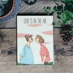 """Love Is In The Air"" Kartpostal"